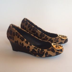TORY BURCH LEOPARD PRINT WEDGES **NEVER WORN**